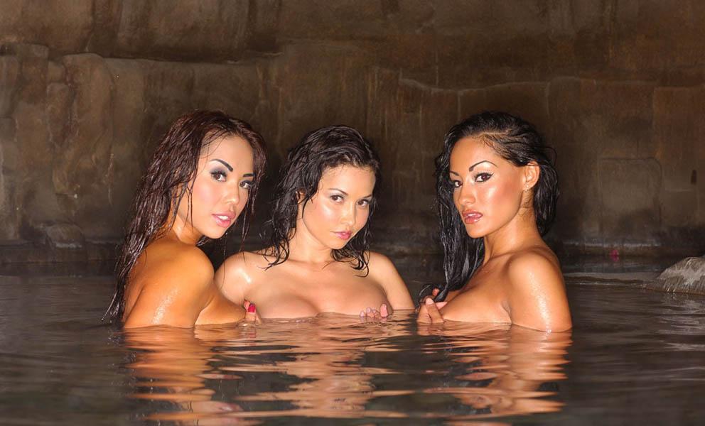 threesome_sauna_01-copy